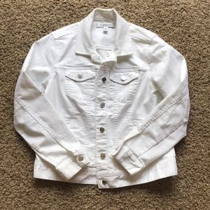 NWOT Croft and Barrow white jean jacket!